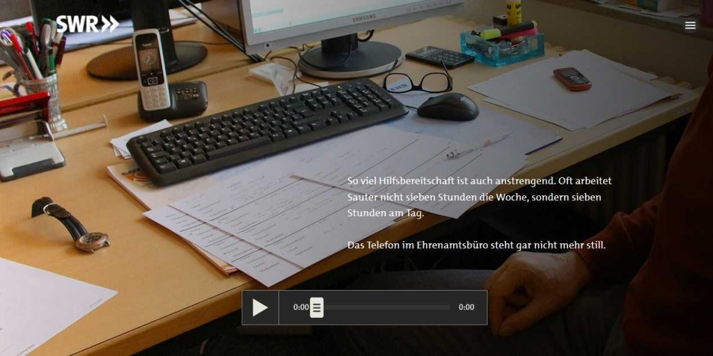 Kleiner Ausschnitt – große Wirkung. Beiläufigkeit als Bildprinzip, das nicht vom Hören ablenkt. http://multimedia.swr.de/asyl-suchende-fluechtlinge-in-kaserne-messstetten#520